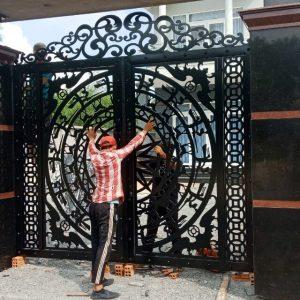 cổng sắt cnc trống đồng